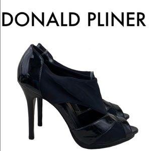 DONALD J. PLINER BLACK HEELS SIZE 8.5 M